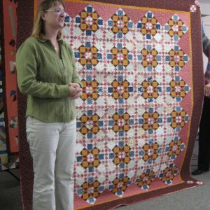Bonnie and her latest DOUBLE DELIGHT MYSTERY QUILT