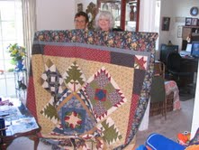janie and sao with Thimbleberry quilt